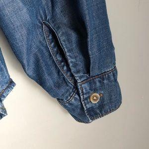 cloth & stone Tops - Cloth & Stone Chambray Jean Button Down Shirt